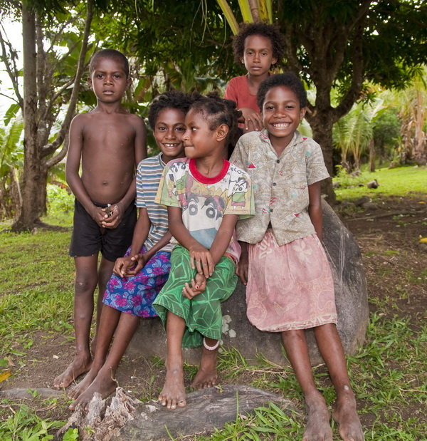 Papua New Guinea Village Homestay - Local village kids...
