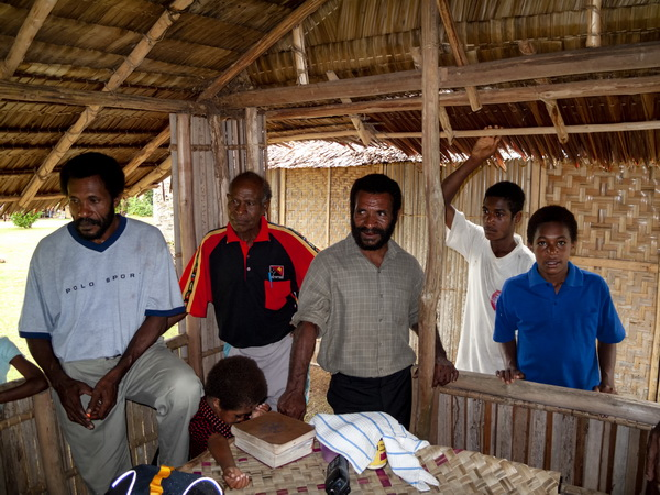 "Papua New Guinea Village Homestay - Discussing the ""news"" at Jackson's guest house"