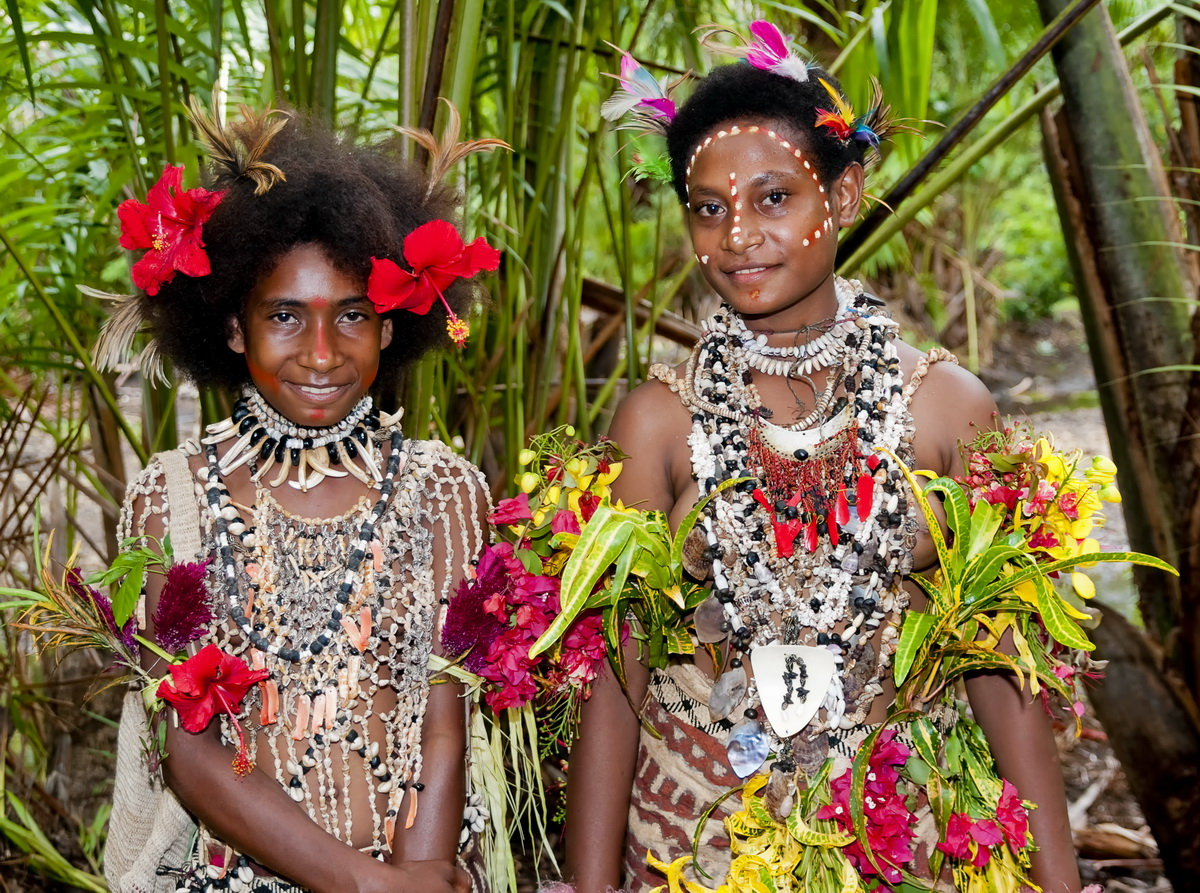 Facial tattoos of Oro Province - Village girls in Koje