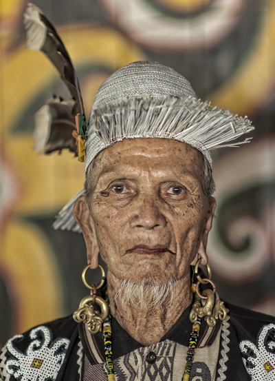 Old Dayak man at Pampang