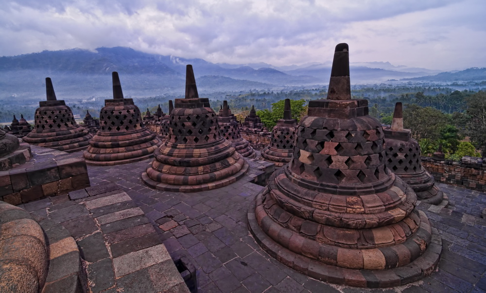 Sunrise at Borobudur - Special even if the weather is not kind...