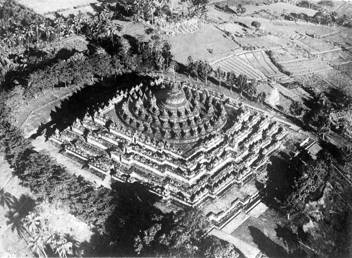 1929 Aerial Photograph of Borobudur - Courtesy of Wiki Commons