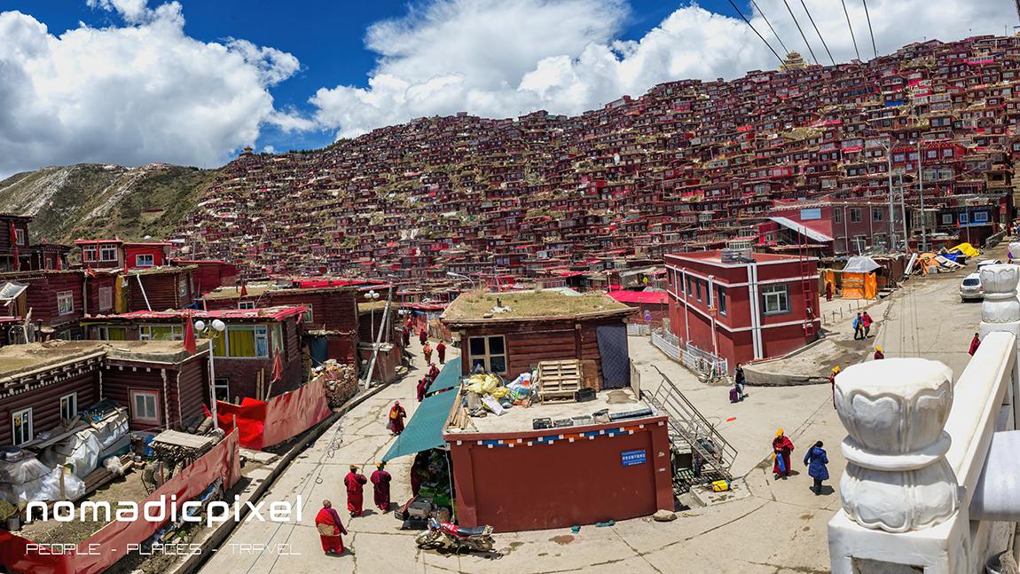 X:\Land Images\China\Tibetan Plateau\2015 Road Trip\D03_Sertar\Larung Gar\Pano_02\JPEG's\China_15_Sichuan_May_D03_100_pano_acr+tdn_nik.jpg